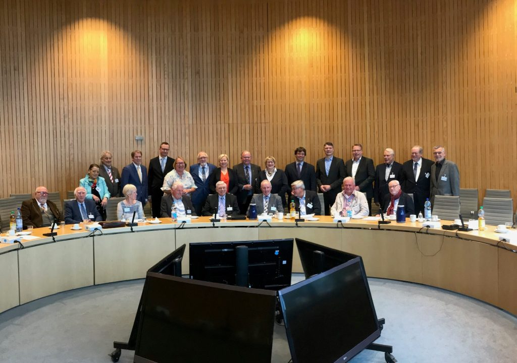 Abgeordnete und Senioren Union des Niederrheins im Dialog