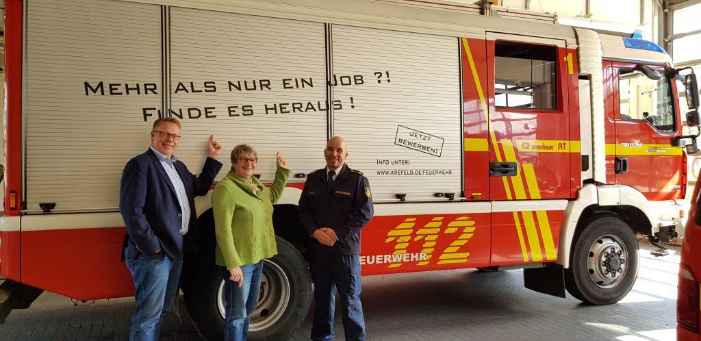 Landtagsabgeordnete besuchen modernste Feuer- und Rettungswache in NRW