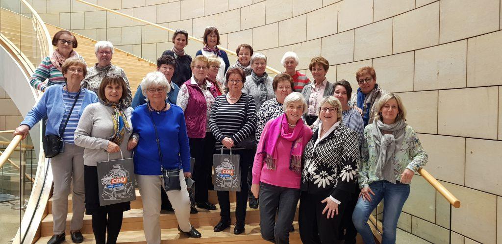 Landfrauen aus Fischeln besuchen Landtag